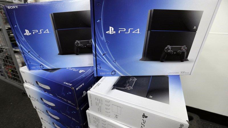 La Playstation 4 a su s'imposer par les titres qu'elle propose, mais aussi par sa polyvalence. Elle fait notamment office de chaîne hi-fi ou de lecteur DVD.