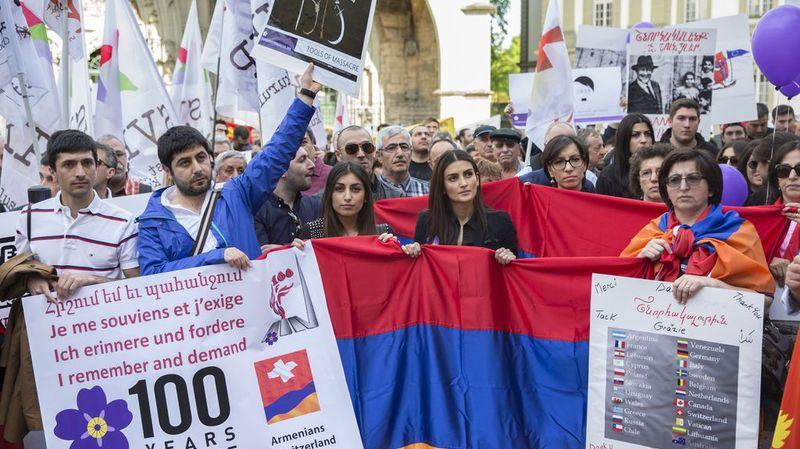 Près de 1000 personnes ont lancé vendredi un appel au Conseil fédéral à Berne.