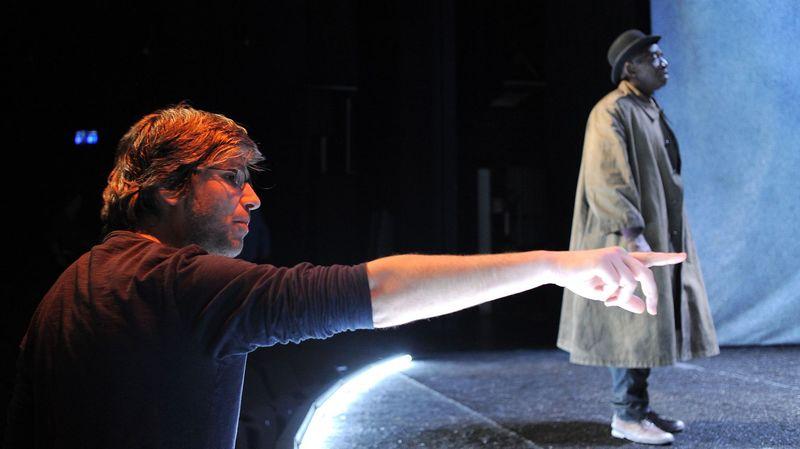 Lorenzo Malaguerra lors de la création de la pièce «En attendant Godot».