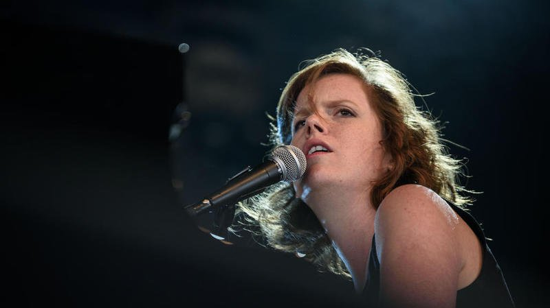 Olivia Pedroli lors de son concert sur la scène du Détour.