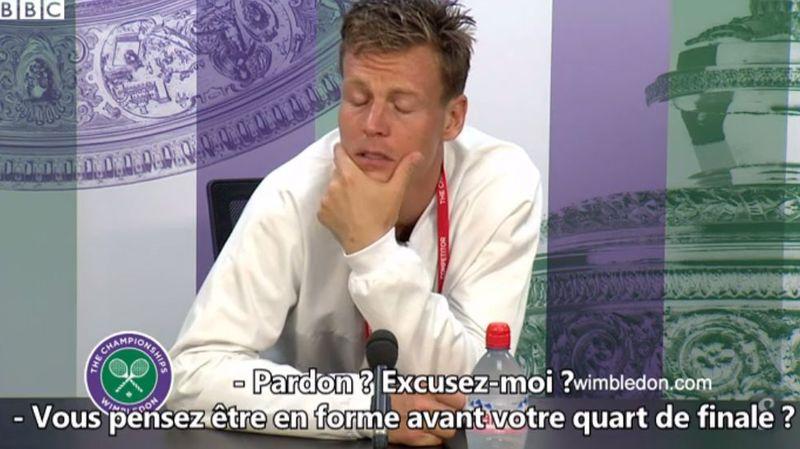 Un journaliste fait une belle boulette face à Tomas Berdych à Wimbledon.
