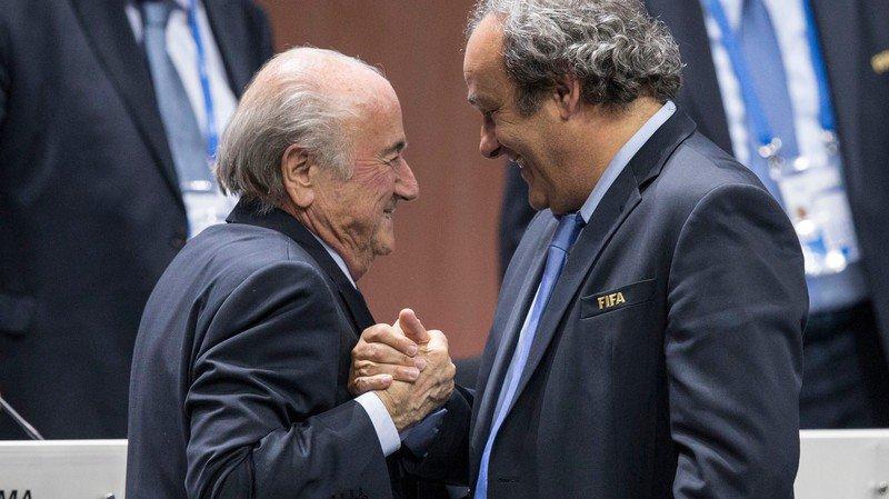 """""""C'était un truc d'homme à homme. Il allait devenir président de la FIFA. La FIFA! J'avais confiance"""", ajoute Platini au sujet de Sepp Blatter."""