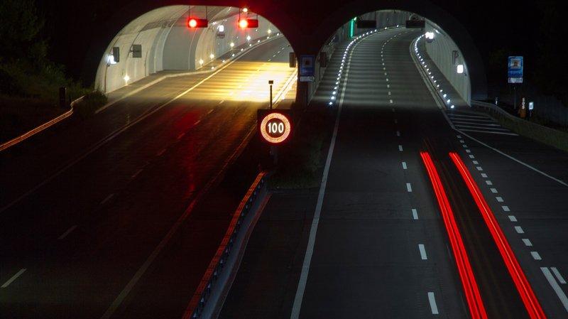 Le tunnel de Sierre en direction de Sion est fermé jusqu'à nouvel ordre suite à un accident de la circulation.