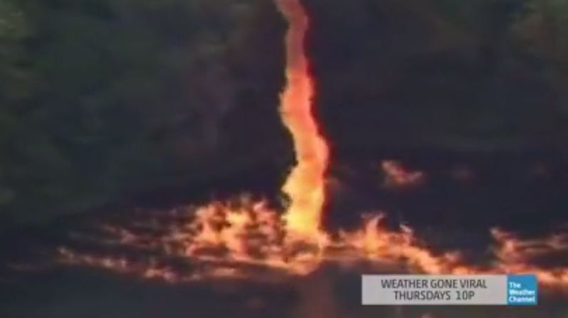 Trois millions de litres de whisky en feu créent une tornade aux Etats-Unis.